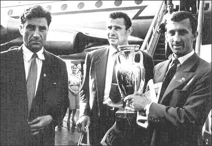 Триумфальное возвращение советской делегации из Парижа. Андрей Старостин, Лев Яшин и Игорь Нетто